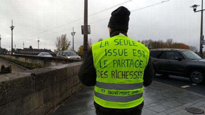 Gilets jaunes, un mouvement révolutionnaire? Échanges avec Philippe Pascot et Jean Lassalle sur BTLV